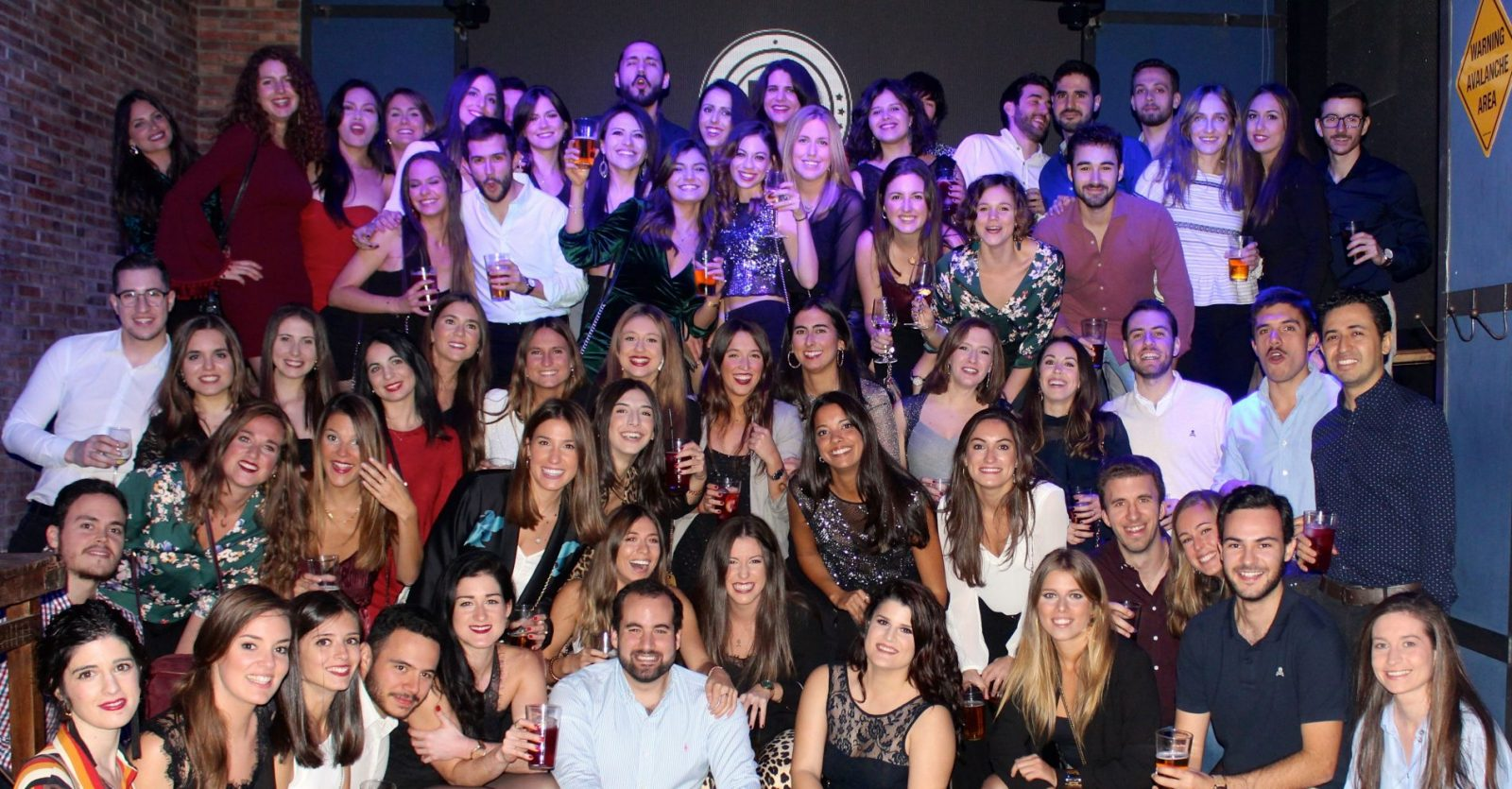 Fiesta residentes 2018 Social Eventos-Foto de grupo