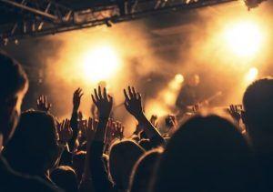 Pedida de mano en un concierto